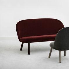 Inspiration Velour sur silveraeshop. Dessinée par Hans Hornemann, Ace est une collection de sièges qui se distingue par une ligne luxueuse, associée au principe fonctionnel du meuble à assembler.
