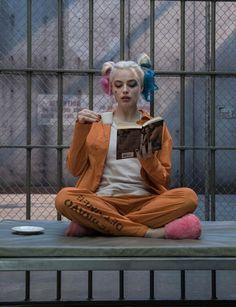 Margot Robbie cool images as Harley Quinn. Margot Robbie cool images as Harley Quinn. Harley Quinn Et Le Joker, Harley Quinn Drawing, Harley Quinn Cosplay, Joker Dc, Gotham Batman, Batman Art, Batman Robin, Arlequina Margot Robbie, Margot Robbie Harley Quinn