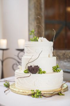Vineyard-inspired wedding cake | Shaun and Skyla Walton | Theknot.com