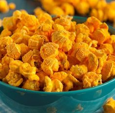 Homemade Cheddar Popcorn | Work It, Mom!
