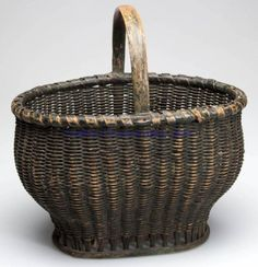 Valley of Virginia painted ribbed woven rod basket, white oak and possibly willow Old Baskets, Vintage Baskets, Painted Baskets, Bountiful Baskets, Native American Baskets, Nantucket Baskets, Basket Crafts, Weaving Art, Country Primitive
