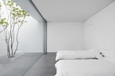 The 'Minimalist House' Definitely Lives Up To Its Name is part of architecture - This Okinawabased residence, appropriately named 'Minimalist House', by architects Shinichi Ogawa & Associates is every minimalist's dream The clean, white Minimalist Architecture, Minimalist Interior, Minimalist Living, Minimalist Bedroom, Minimalist Decor, Minimalist Design, Interior Architecture, Minimalist Style, Minimal House Design