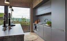 Interiør - Sjemmedalhytta Italy House, Mountain Cottage, Small House Plans, Cabins In The Woods, Beach House, Ikea, Sweet Home, House Ideas, New Homes
