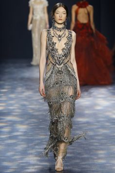 Catwalk photos and all the looks from Marchesa Autumn/Winter Ready-To-Wear New York Fashion Week Couture Mode, Style Couture, Couture Fashion, Runway Fashion, Fashion Week, New York Fashion, Fashion Show, Fashion Design, City Fashion