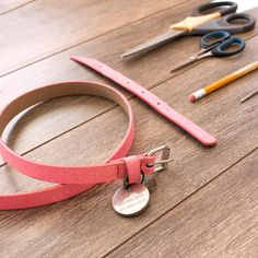 Rather than throw it out, recycle and turn that outdated leather belt into a stylin' DIY dog collar!