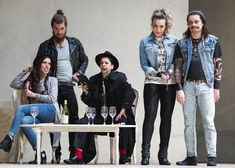 From left: Ginger Costa-Jackson (Dorabella), Craig Verm (Guglielmo), Laura Tatulescu (Despina), Marina Costa-Jackson (Fiordiligi), and Tuomas Katajala (Ferrando). Philip Newton photo.