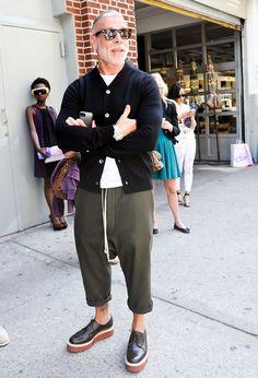 Risultati immagini per nick wooster style Nick Wooster, Old Man Fashion, Mens Fashion, Fashion Outfits, Fashion Trends, Look Man, Sharp Dressed Man, Men Street, Madame