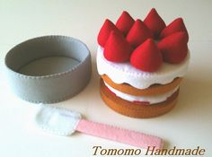 ETSY  Pretend food - Play food - Felt   food ,    How to make  the Strawberry cake set.. $38.00, via Etsy.