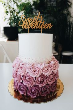 vanilla and raspberry cake decorated in a gorgeous pink with cream flowers and chocolates 😍… Elegant Birthday Cakes, 16th Birthday Cake For Girls, Birthday Cake For Boyfriend, 15th Birthday Cakes, Sweet 16 Birthday Cake, Beautiful Birthday Cakes, Birthday Cake Designs, Girl Birthday, Birthday Ideas