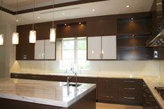 Kitchen white backsplash