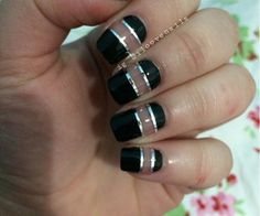 Black and silver stripe negative space #nails