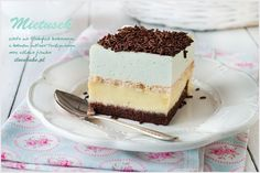 Na początku muszę napisać: uwielbiam to ciasto od pierwszego kawałka. Bardzo długo nie mogłam patrzeć na ciasta miętowe. Nie…