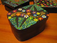 Floral Box or a decorated collage summery box or even shabby chic vintage Painted Boxes, Hand Painted, Arte Country, Ceramic Boxes, Craft Box, Dot Painting, Bottle Art, Mandala Design, Box Art