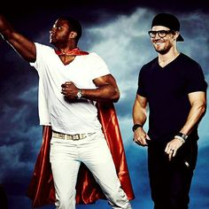 And here we have Clark Kent and Superman! (Aka Oliver and Diggle)