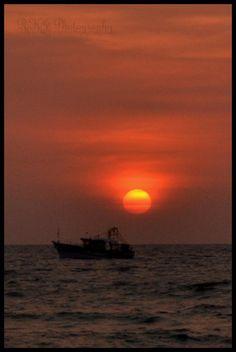 Sunset @ Munakkal Beach , Azhikode , Kerala. #nature #photography #sun #beach…