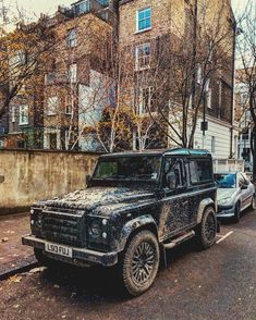 """2,786 Likes, 14 Comments - @landroverphotoalbum on Instagram: """"A filthy beast lurking in London By @gentlemanmodern #Defender90 #landroverdefender…"""""""