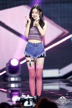 Jang Won Young Kpop Girl Groups, Korean Girl Groups, Stage Outfits, Cool Outfits, Jang Wooyoung, Hot Girls, Fashion Figures, Soyeon, Ulzzang Girl