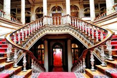 Dolmabahçe Palace Staircase Istanbul x - Peles Castle, Travel Center, Throne Room, Palace Of Versailles, Earthship, Turkey Travel, Stairway To Heaven, Studio Shoot, Stairways