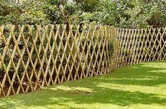 Ideas For A Garden Fence Design - Uncinetto Bamboo Art, Bamboo Crafts, Bamboo Fence, Diy Pergola, Pergola Kits, Pergola Ideas, Cerca Natural, Japanese Fence, Bamboo House Design