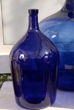 View this item and discover similar glass for sale at - Rare Cobalt Blue Dame-Jeanne are unusual due to their 'Cobalt Blue' color. Cobalt oxide base pigment was costly due to its lengthy production process. Antique Glass Bottles, Blue Glass Bottles, Cobalt Glass, Old Bottles, Blue Bottle, Vintage Bottles, Cobalt Blue, Vintage Perfume, Perfume Bottles
