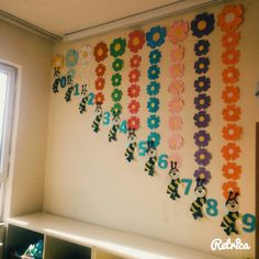 30 Classroom Decorating Ideas – Aluno On - New Deko Sites Classroom Wall Decor, Preschool Classroom Decor, Classroom Board, Classroom Walls, Preschool Activities, Class Decoration, School Decorations, School Hallways, Teaching Aids