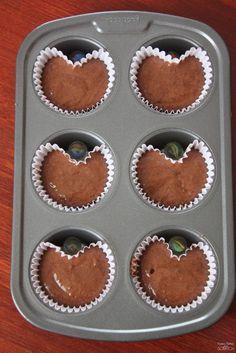 Pas besoin d'un moule en forme de coeur pour faire des cupcakes de Saint-Valentin! ASTUCE