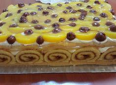 Igazifinomság, ha imádod a kiwit! Hozzávalók Alaphoz:200 g keksz100 g vaj Fehér krém:400 g krémsajt350 ml tejszín150 g porcukor2 csomag vaníliás... Cake Flavors, Quick Bread, Crepes, Cake Cookies, Waffles, Cheesecake, Goodies, Food And Drink, Cooking Recipes