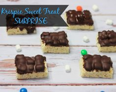 Krispie Sweet Treat Surprise - perfect for packaging up as gifts or serving at your next party! #KreateMyHappy #Ad