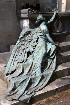 What an astounding monument. The Staglieno Cemetery, Genoa, Italy - CALCAGNO Family circa Sculptor: Adolfo Apolloni What an astounding monument. The Staglieno Cemetery, Genoa, Italy - CALCAGNO Family circa Sculptor: Adolfo Apolloni Cemetery Angels, Cemetery Statues, Cemetery Art, Weeping Angels, Ange Demon, Angels Among Us, Wow Art, Oeuvre D'art, Belle Photo