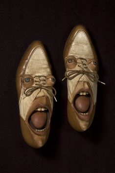 Artist Gwen Murphy turns old shoes into works of art by giving them faces. She uses ash clay and acrylic paint to create those bugged-out eyes ,dreary lids, pouty lips and long faces. Unusual Art, Unusual Things, Funny Shoes, Funny Clothes, Old Shoes, Junk Art, Assemblage Art, Shoe Art, Shoe Shoe