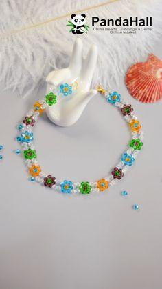 Idea on Glass Bead Beach Diy Crafts Jewelry, Bracelet Crafts, Bead Crafts, Handmade Jewelry, Diy Friendship Bracelets Patterns, Diy Bracelets Easy, Beaded Bracelet Patterns, Beaded Jewelry Designs, Bead Jewellery