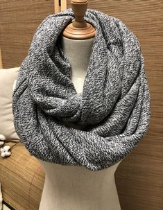 Hooded Scarf, Grey Scarf, Knit Cowl, Summer Accessories, Square Scarf, Scarf Styles, Womens Scarves, Infinity, Winter Fashion
