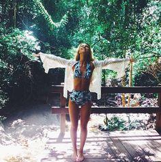 High waisted bikini style by Essena Oneill