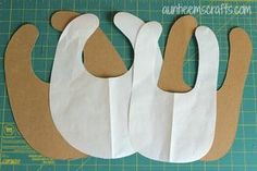 Basic Bib Tutorial with Printable Template in Two Sizes | Auntieemscrafts.com