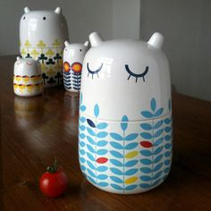 little animals Mama Haihai storage jars in bone china. I want them ALL.