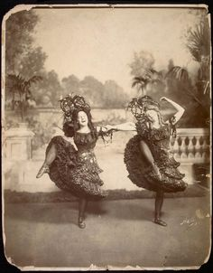 "i musta been a follies girl in a past life ornamentedbeing: "" Just because this is brilliant. Antique Photos, Vintage Pictures, Vintage Photographs, Old Pictures, Old Photos, Vintage Images, Shall We Dance, Lets Dance, Belle Epoque"
