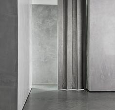 In samenwerking met DTCH heeft Piet Boon een verfijnde collectie van gordijnen, houten en aluminium jaloezieën, rolgordijnen en kussens ontworpen. De collectie is ontworpen rond het thema 'plooi', met plooien, strakke lijnen en subtiele stiksels. De collectie heeft een ingetogen kleurenpalet in de tinten Mist (krijtwit), Stone (lichtgrijs) en Graphite (houtskool zwart).