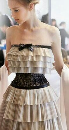 Chanel Haute Couture SS 2014 jaglady - Chanel Dresses - Trending Chanel Dress for sales - Different; Chanel Fashion, Couture Fashion, Runway Fashion, High Fashion, Fashion Show, Fashion News, Beautiful Gowns, Beautiful Outfits, Chanel Dress