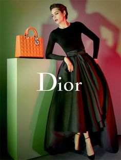 not especially the bag, but the rest ... ok! marion cotillard, dior, lady dior, raf simons, grace kelly