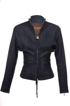 #LouisVuitton | Feminin taillierte #Jacke aus Stretch-Jeansstoff, Gr.XS | Louis Vuitton | mymint-shop.com | Ihr Online Shop für Secondhand / ...