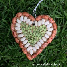 Mothers Day Craft – Seed Mosaic Heart – Nature Crafts for Kids Mothers Day Craft – Seed Mosaic Heart Easy Mother's Day Crafts, Earth Day Crafts, Mothers Day Crafts For Kids, Nature Crafts, Summer Crafts, Diy Crafts For Kids, Children Crafts, Craft Ideas, Project Ideas