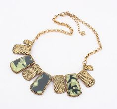 Retro Exaggerated Stone Flower Necklace