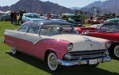 1955 Ford Fairlane Crown Victoria Skyliner, Pink & White.