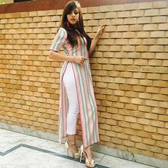 Silk Kurti Designs, Simple Kurta Designs, Kurta Designs Women, Kurti Designs Party Wear, Stylish Dress Designs, Casual Indian Fashion, Indian Fashion Dresses, Indian Designer Outfits, Long Dress Design