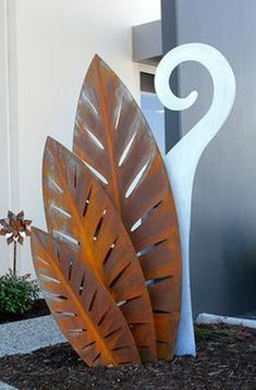 "Exceptional ""metal tree art decor"" info is readily available on our internet site. Take a look and you wont be sorry you did. Metal Yard Art, Metal Tree Wall Art, Metal Artwork, Tree Artwork, Welded Metal Art, Pot Jardin, Steel Art, Welding Art, Welding Projects"