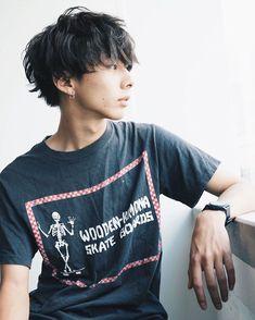 いいね!112件、コメント2件 ― makoto sugawaraさん(@makoto121323)のInstagramアカウント: 「おはようございます シュッキーン‼️ご予約お待ちしております。 束感マッシュ #hair #hairstyle #menshair  #メンズヘア #ヘア #束感 #ヘアスタイル…」