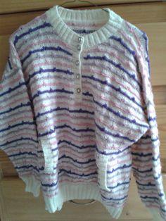 Suéter dama líneas de color con bolsa al frente