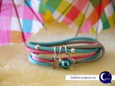 Pulsera Arco Iris en colores azulados y rosas, más fotos e información en: http://catalinetes.wordpress.com/