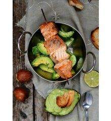 Leckerer Würzfisch mit Gurkensalat