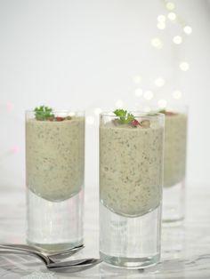 Visit the post for more. Verrines Vegan, Chefs, Régis Marcon, Glass Vase, Candle Holders, Brunch, Veggies, Cooking, Salad
